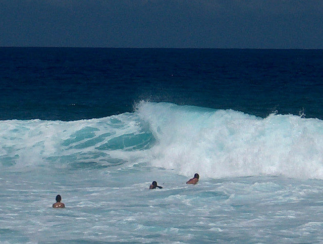 Good waves at Reunion beaches. Photo courtesy of Flickr/Creative Commons-Dpasquazzo